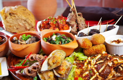 Discover our tapas tour Malaga. Andalusian Food and wine tour